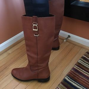 Banana republic cognac colored leather boot